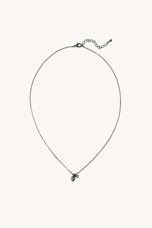 urban outfitters small skull charm necklace