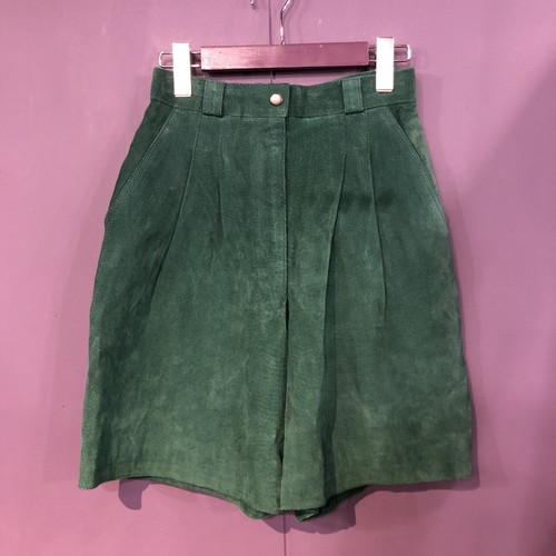 80's  green leather shortpants [B1139]