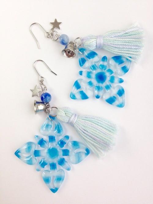 ハワイアンキルトモチーフのピアス Ice Blue