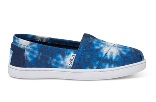 TOMS YOUTH BLUE TIE DYE SEA TURTLES CLASSICS