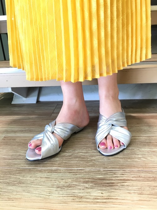 [送料無料] BED&BREAKFAST CROSSED LEATHER SANDAL 2018春夏物新作