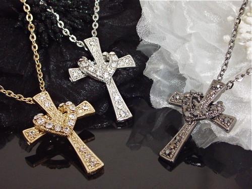 ラインストーンハート掛けクロスネックレス・十字架