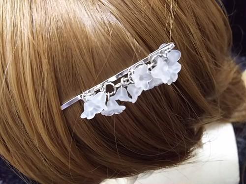 枝垂れヘアピン 白