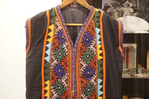 60's tribal embroidered Vest