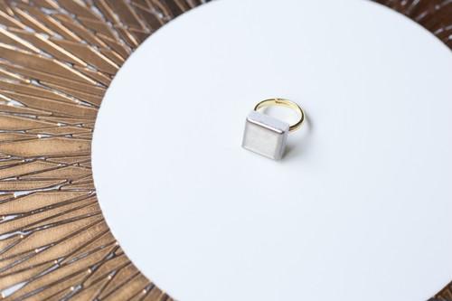 135ホワイトゴールド使用!伝統文化品美濃焼多治見四角タイル指輪・リング(フリーサイズ) ゴールドリーズ007
