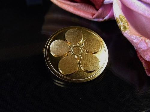 戦国家紋バッチ (前田慶次)