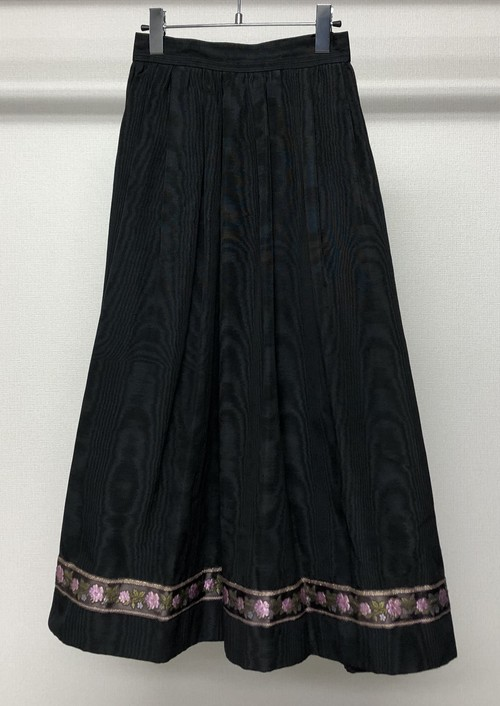 1980s YVES SAINT LAURENT MOIRE SKIRT WITH FLOWER EMBROIDERED TAPE