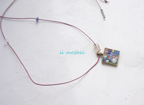 Transparent pink mosaic Necklace.(透明ピンクのモザイクネックレス)