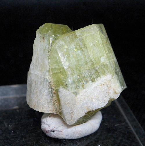 コロラド州産 アパタイト 結晶 15,7g AP042 鉱物 標本 原石 天然石 パワーストーン