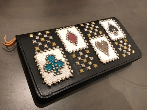 STUDDED CARD WALLET / METAL JACKET