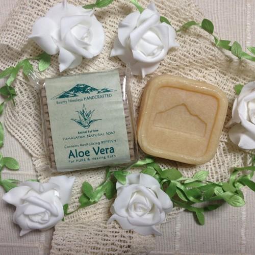アーユルヴェーダモイスチャー(アロエベラ)ソープ〈保湿〉Bounty Himalaya Aloe Vera Soap