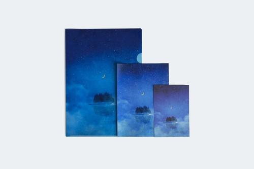 夜の湖に浮かぶ、月と森を描いた、3点セット|クリアファイル、ポストカード、レターセット