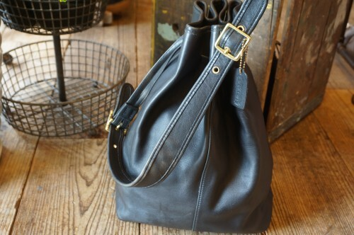90's COACH black drawstring shoulder Bag