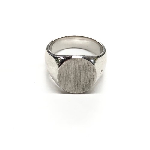 TOM WOOD OVAL SATIN RING