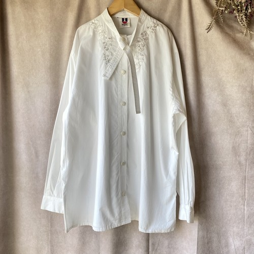 vintage BALLY embroidery blouse/バリーの刺繍が美しいブラウス