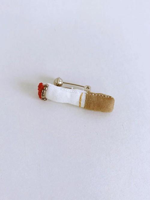 MONMANNEQUIN ミニチュア  たばこブローチ