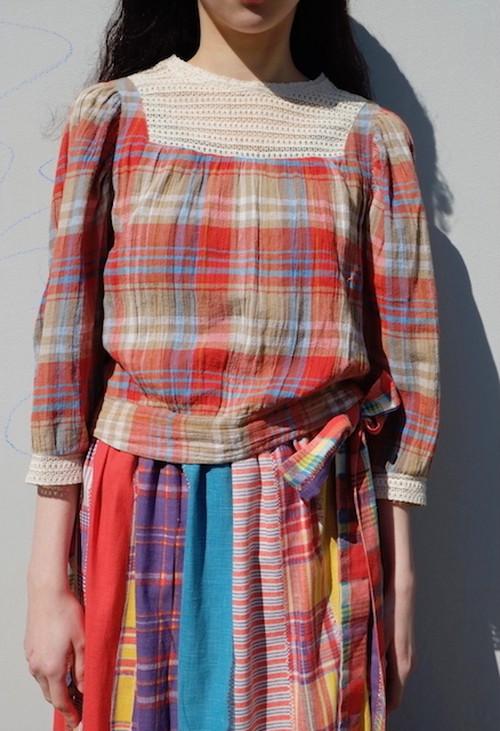 netsu blouse.