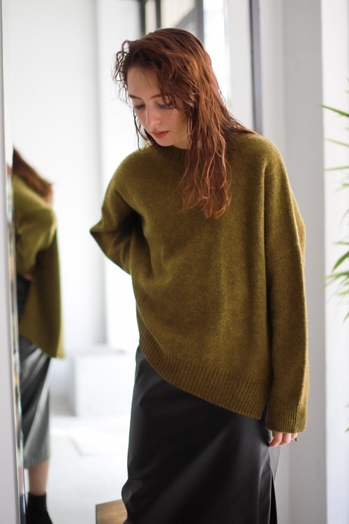 ROOM211 /  Yak knit