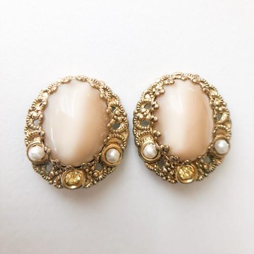 GERMANY beige moonglow earring[e-1150]