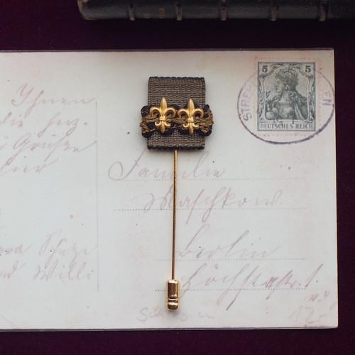ユリの勲章 / ピンブローチ(Wtype gold)