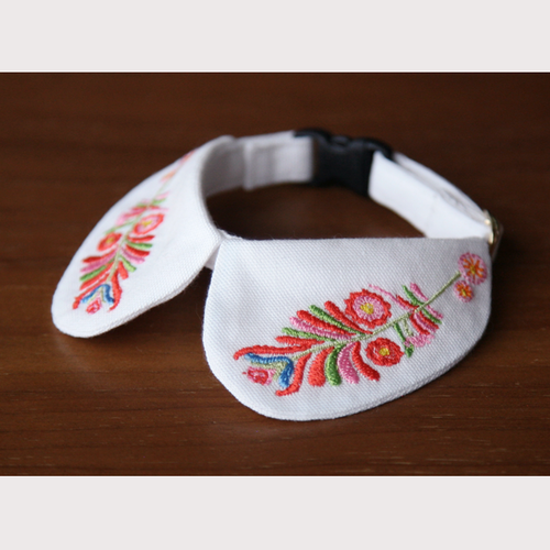 embroidered collar -flower-