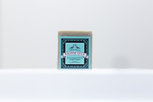 とろける泡のホワイトハニー石鹸(ユーカリの香り)
