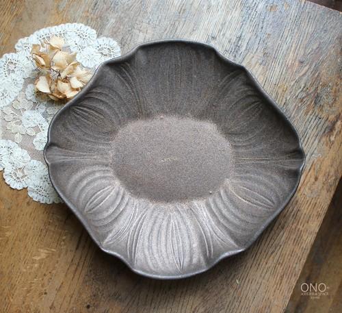 器のしごと 花オーバル鉢 ラインタイプ(鉄錆)