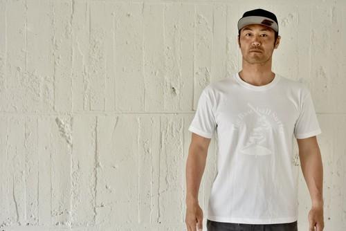 The Baseball Surfer Tシャツ【シロ×シロ】