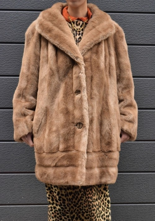 VINTAGE fake fur brown coat