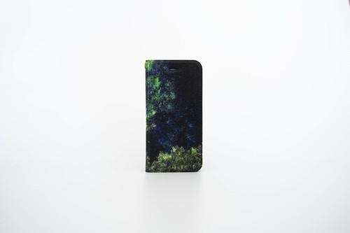 緑色に輝く星空の、手帳型スマホケース