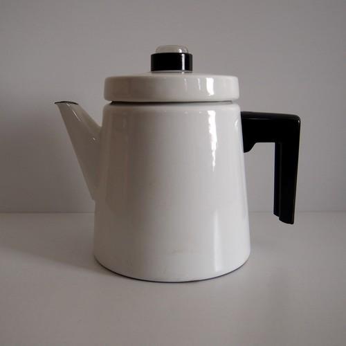 FINEL アンティヌルメス二エミ コーヒーポット白Lサイズ