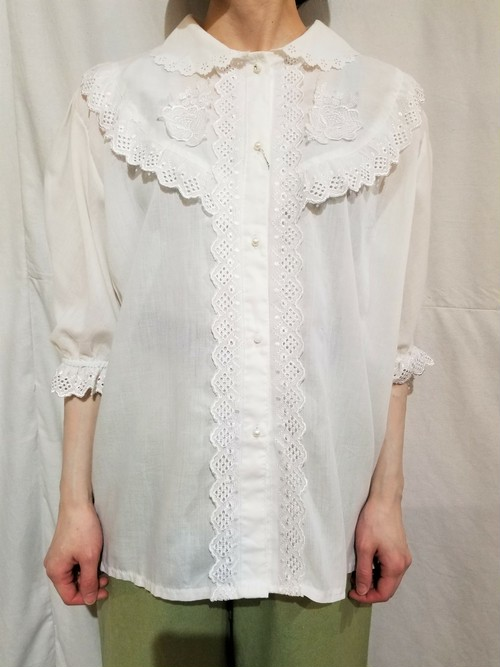 Scallop lace blouse [K-910]