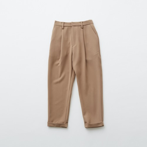 women's tuck pants