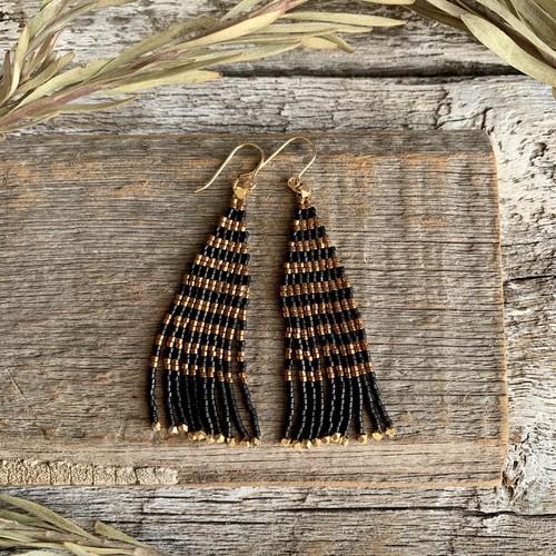 <14KGF> bead stitch fringeピアス ✳︎ border black