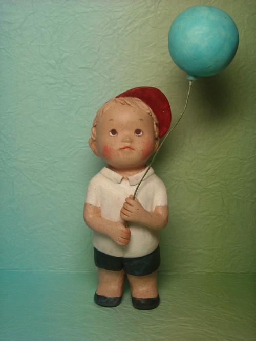 少年と風船