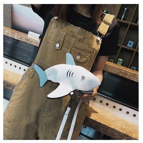 訳あり/kawauso/ 鮫 ジョーズ レディース ショルダーバッグ  (白) 鞄 合皮 レザー 革 革製/ユニーク 面白い 可愛い かばん