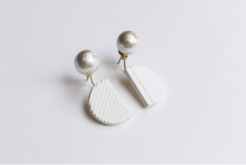 SEMI CIRCLE PIERCE / EARRING【WHITE】
