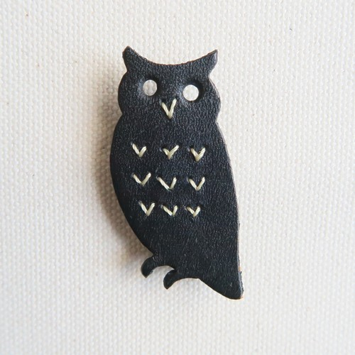 Leather brooch owl BLACK