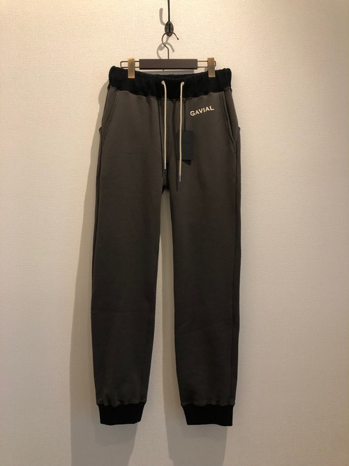 SWEAT PANTS (KHAKI) / GAVIAL