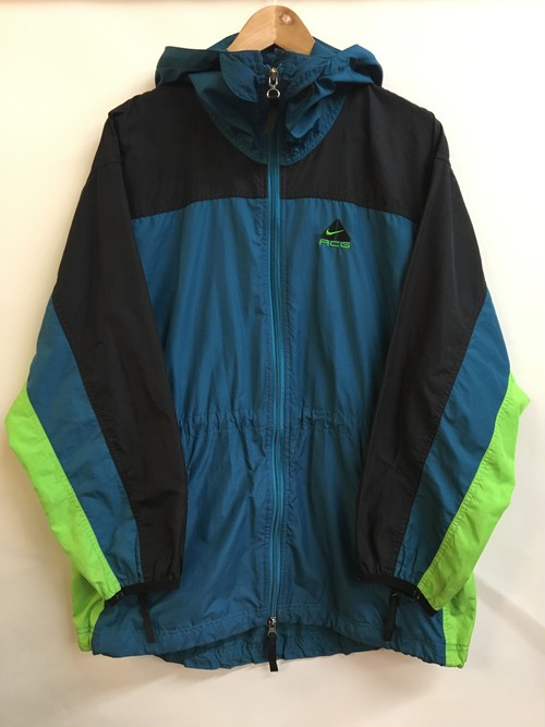 NIKE ACG Hooded Nylon Jacket