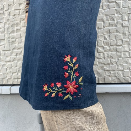 (LOOK) flower embroidery denim tight skirt