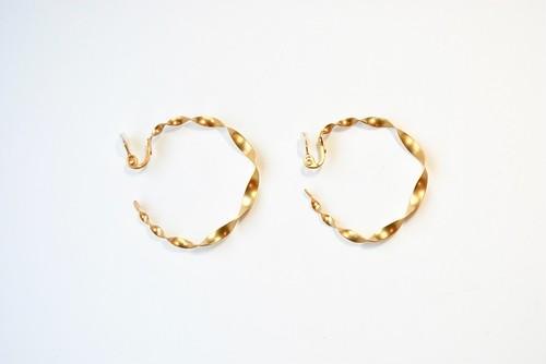 【UurⅡ】 ウール フープ イヤリング mat gold(S1825MG)