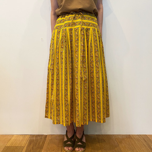 C21648  Indianprint Tuck Skirt