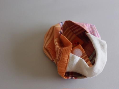 『セッキエッロ』(まちの丸い赤ちゃんの手さげ   チェックオレンジ)