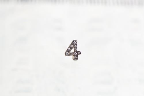 SV925 / Numéro diamant / 4