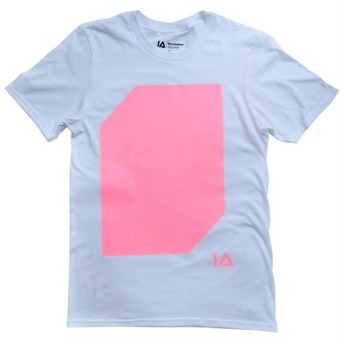 Tシャツ:ホワイト / ライト:ピンク
