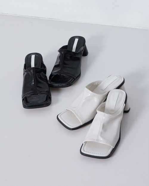 【新作】SQUARE TOE HEEL SANDALS