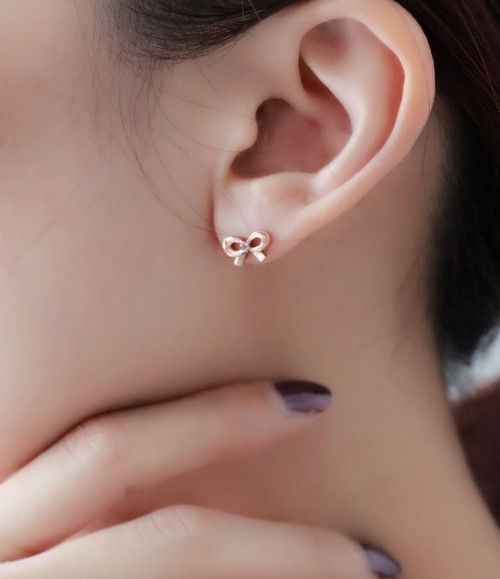 Courreges pink gold (k10) ribbon earrings