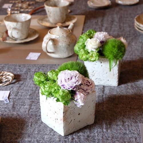 白泥彩キューブ花器(正方型)