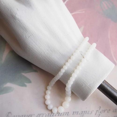 ジャパンヴィンテージ 白いネックレス用グラデーションビーズ(1本)